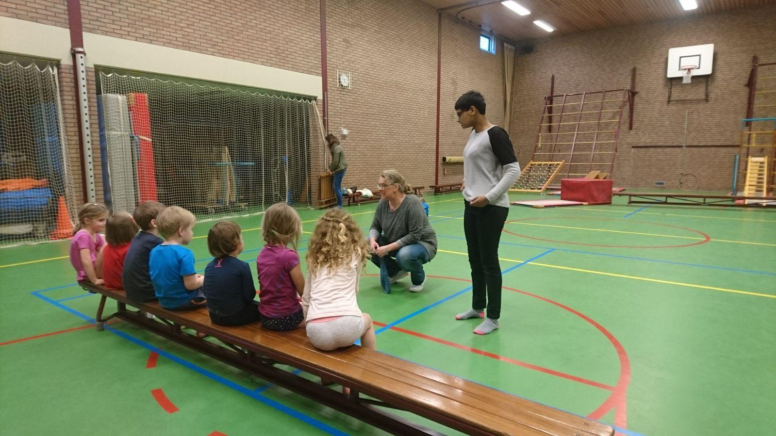 Kindergym bij Sportvereniging Bierum, gegeven door Gea Schrik